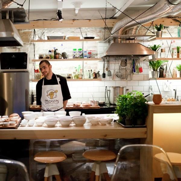 Egy étterem, ahol magatoknak főztök – hogy mi a jó benne? Budapest Makery
