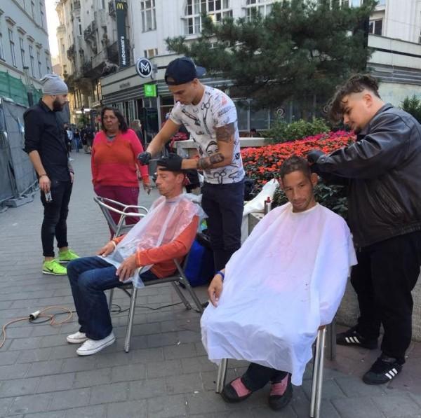 fodrász hajléktalan deák tér