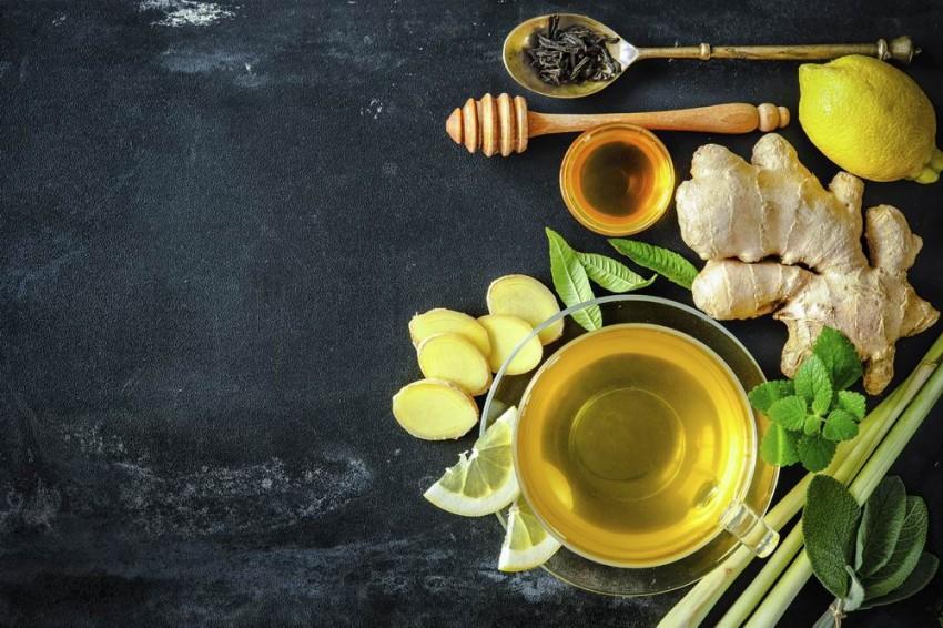 A gyömbér mellett a citrom és a méz is gyógyító hatású a gyömbérteában