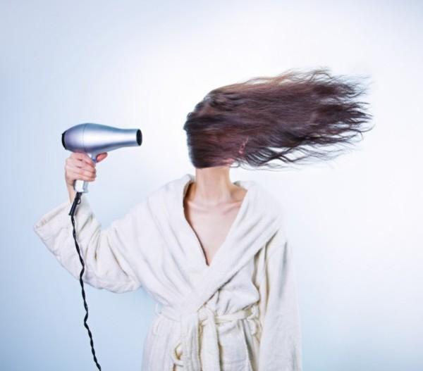 hajszárító haj frizura