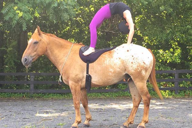horseyoga4-1