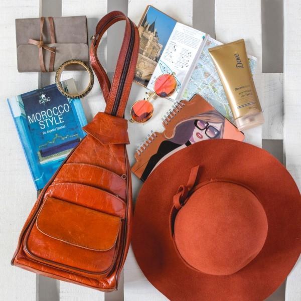 Megtanítunk összecsomagolni a nyárra – Tuti holmik fesztiválra, strandra és utazáshoz helytakarékos bőrönd csomagolás