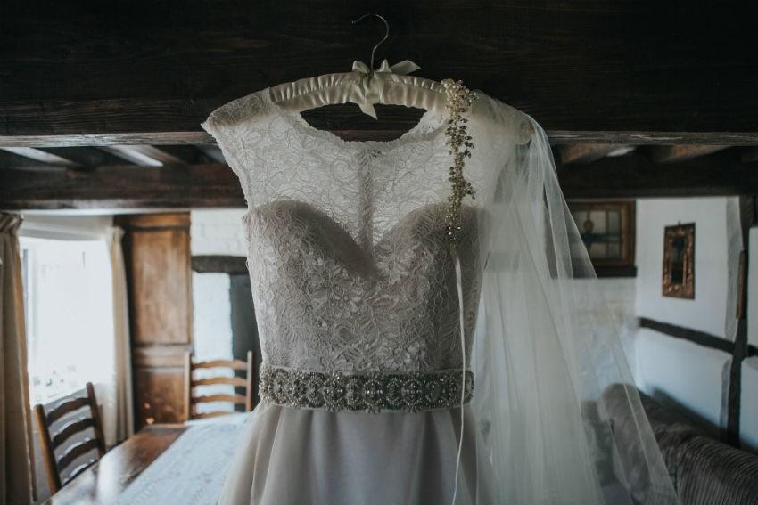 """5c74cfe1b6 Álmaim ruhája eladó"""" – Képesek lennétek eladni a menyasszonyi ..."""