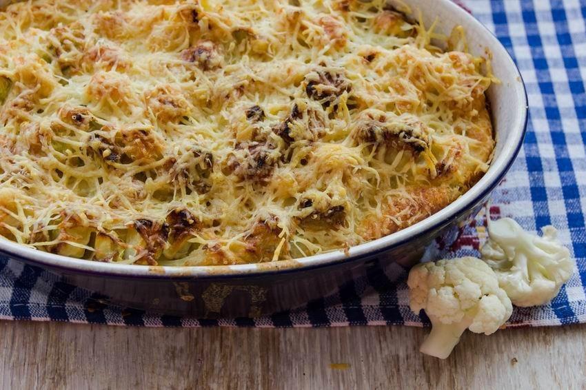 sajtos-tojasos-tepsis-karfiol