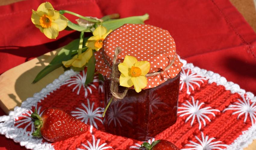 strawberry-jam-1329440_1920