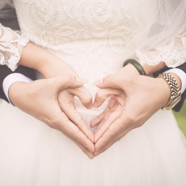 szerelem esküvő házasság