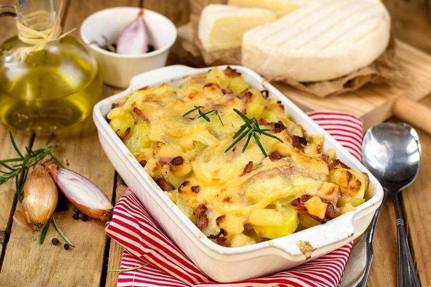 tartiflette-nagyon-sajtos-francia-sult-krumpli