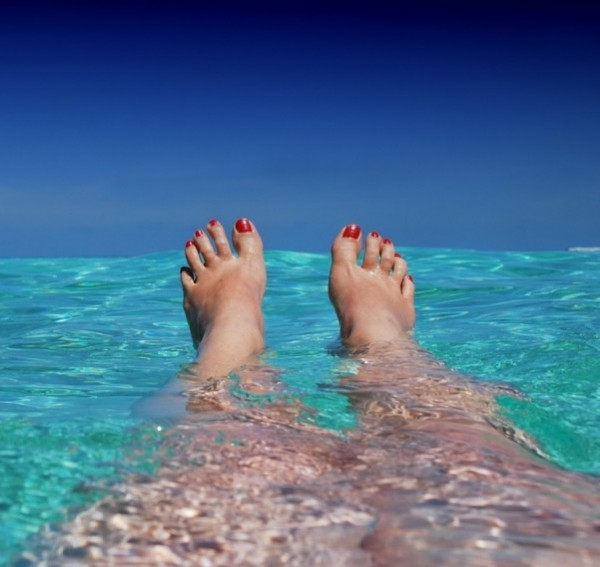 Láb, láblógatás, relax, nyár