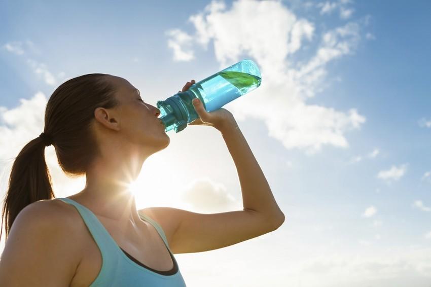 víz ivás folyadék